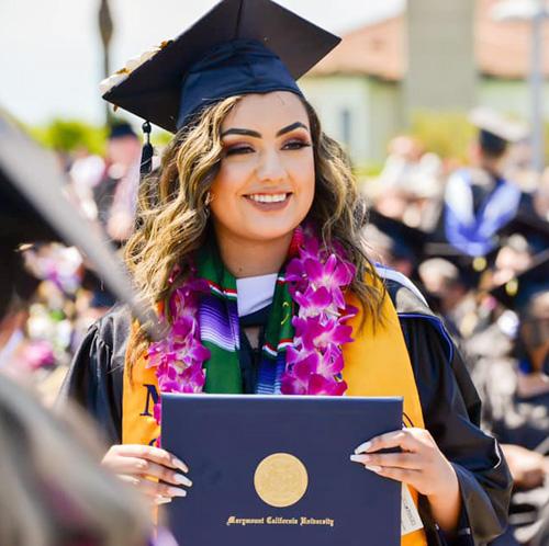 Sinh viên Đại Học Marymount California
