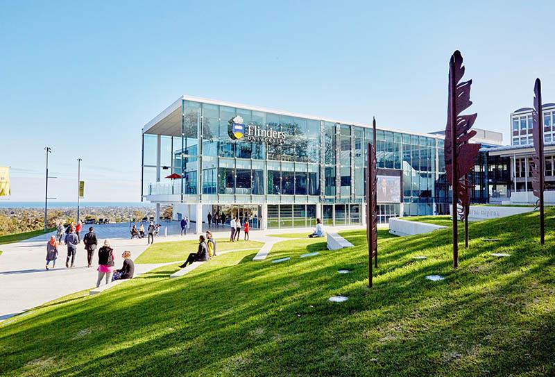 Toàn cảnh khuôn viên trường Flinders University