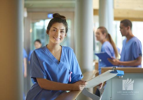 Ngành điều dưỡng tại CHLB Đức thu hút đông đảo lao động quốc tế